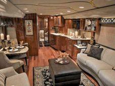 Luxurious Motorhomes Interior Design 25
