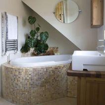 Natural Bathroom Tile Ideas 19