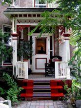 Tiny Front Porch Decorating Ideas 14