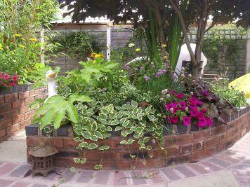 Brick Flower Bed Ideas 25