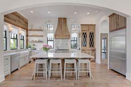 Coastal Farmhouse Kitchen Design 17