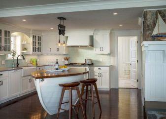 Coastal Farmhouse Kitchen Design 26