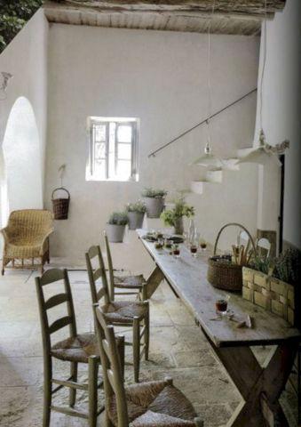 European Farmhouse Decorating Style 23