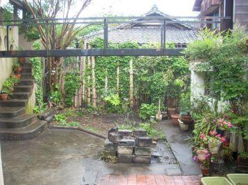 Goth Garden Ideas 11