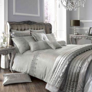 Luxurious Bedding Design 28