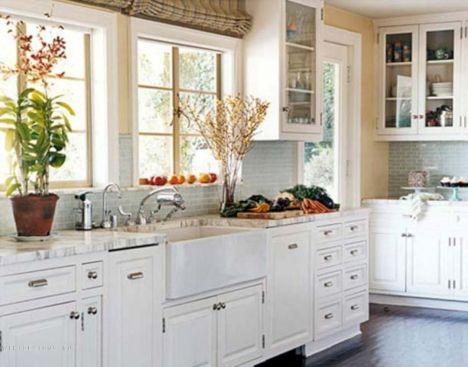 White Farmhouse Kitchen Ideas 2