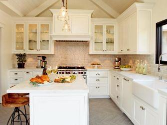White Farmhouse Kitchen Ideas 5