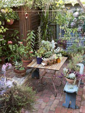 Hippie Black Garden Ideas 12