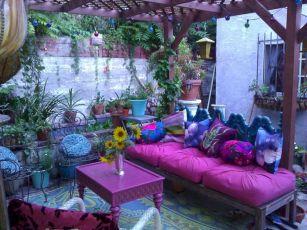 Hippie Black Garden Ideas 22