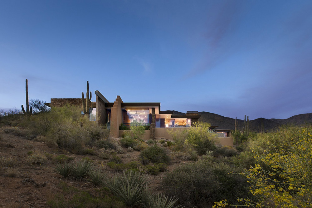 Single Story Home Design Modern Home With Mountain Views In Scottsdale, Arizona