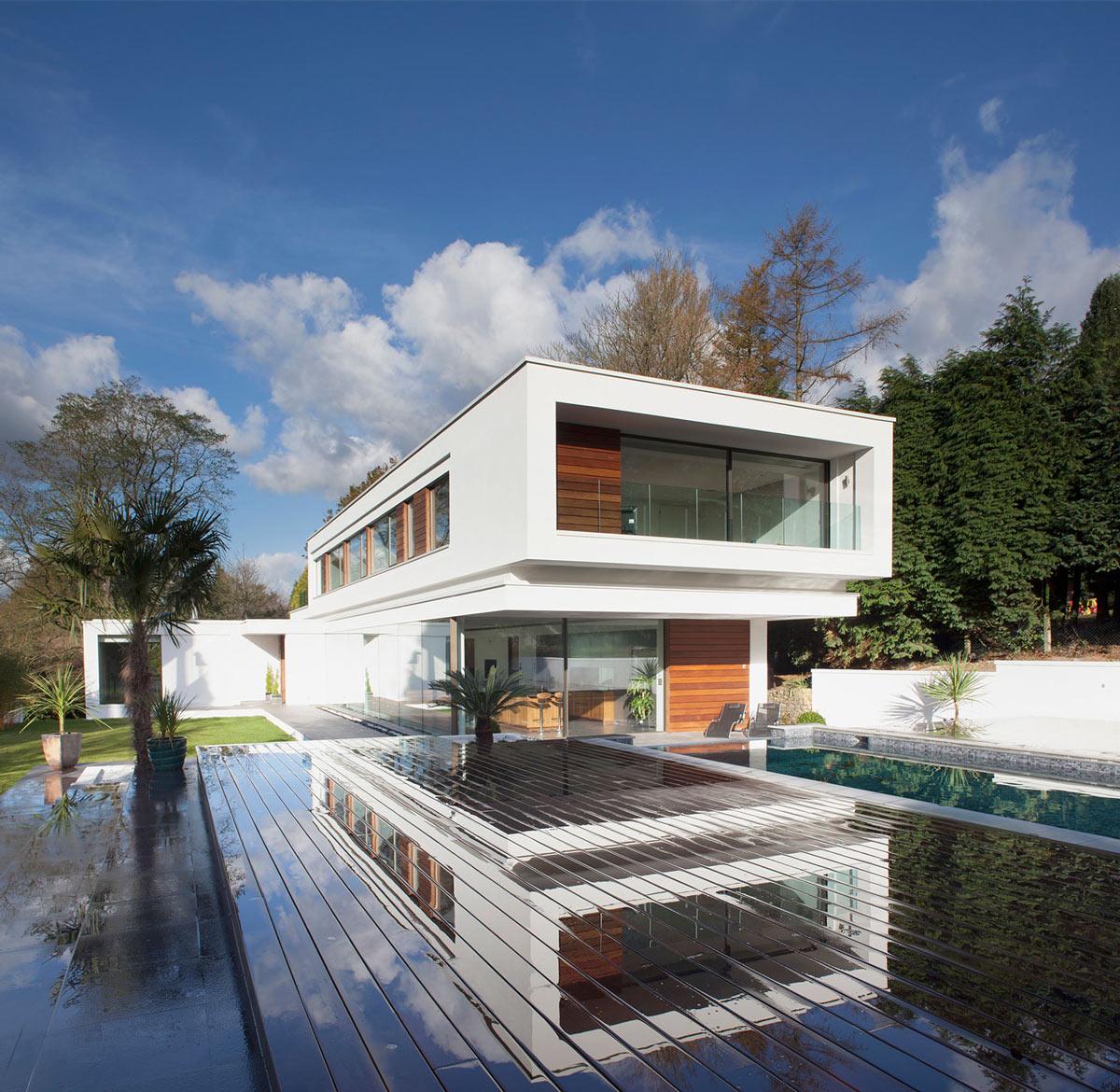 Ecofriendly Modern Home In Tandridge, England