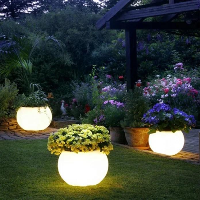27 Outdoor Solar Lighting Ideas To Inspire
