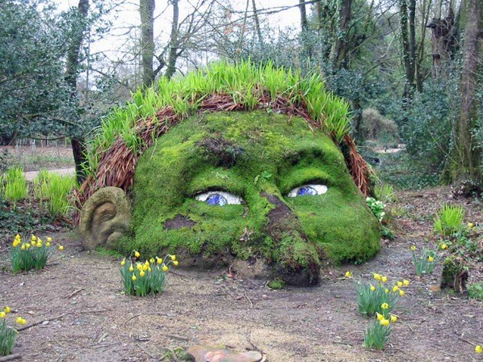 30 Moss Garden Ideas Graffiti Statue Ornament Designs