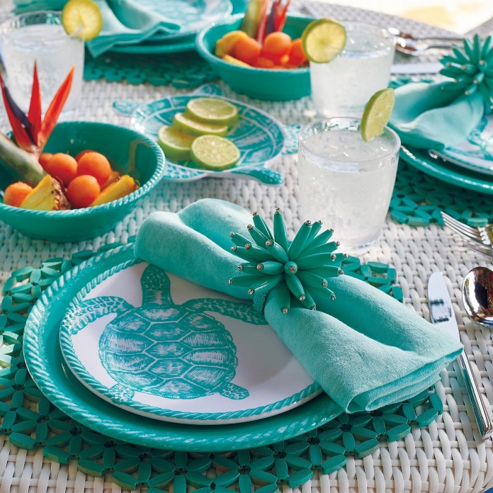 Outdoor Melamine Dinnerware for Summer that looks like