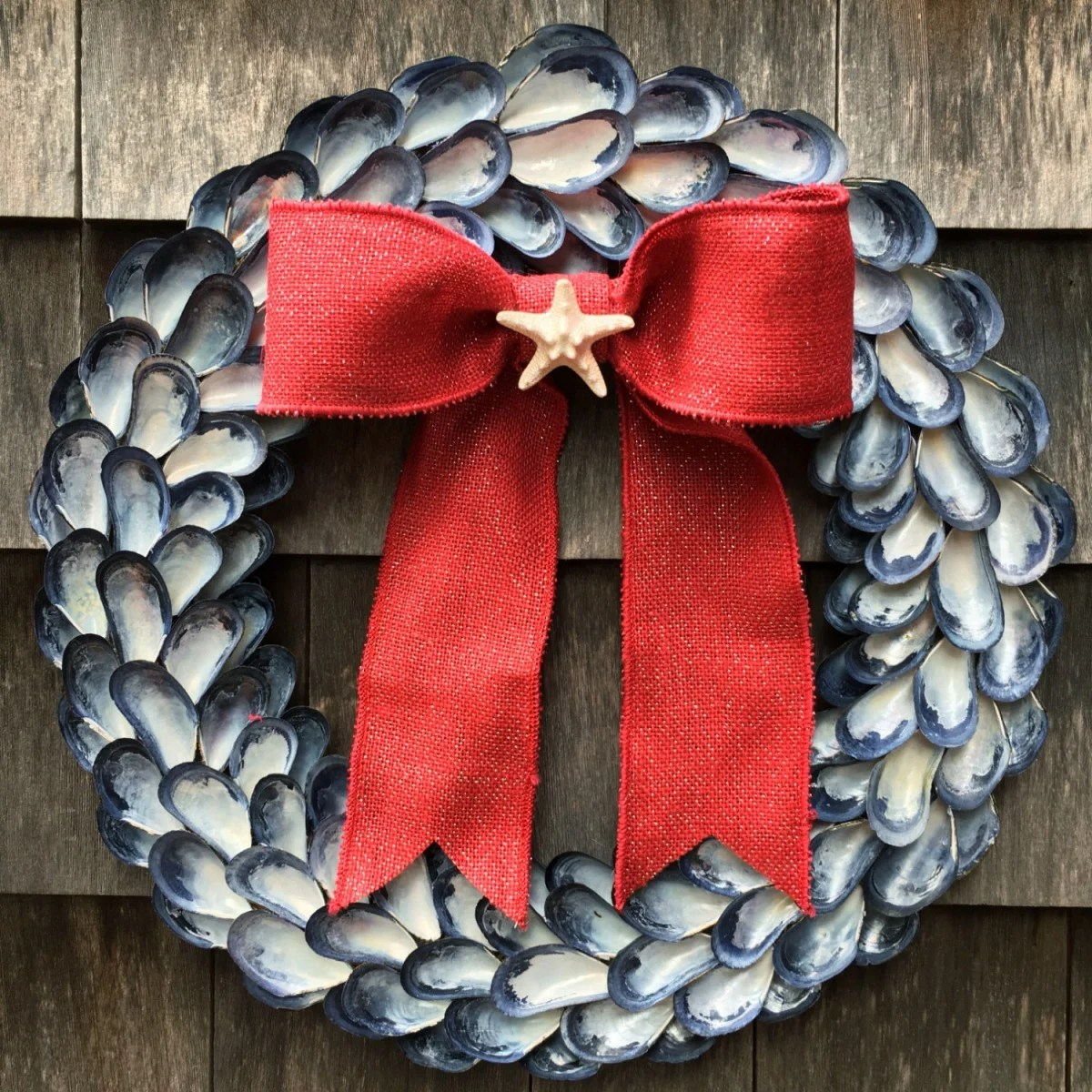 21 Artificial Christmas Wreath Ideas For Stunning Front