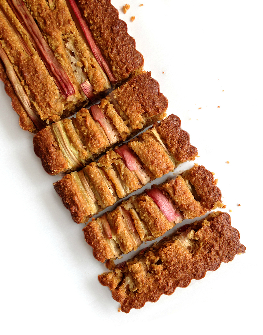 Grain-Free Rhubarb Tart - this recipe features the wonderful seasonal ingredient rhubarb, lusciously embedded in a grain-free crust (best for sensitive tummies!) | Fresh Planet Flavor
