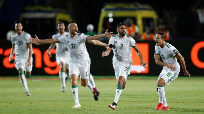 Algerian players celebrate defeat of Super Eagles in AFCON semi finals tie 1