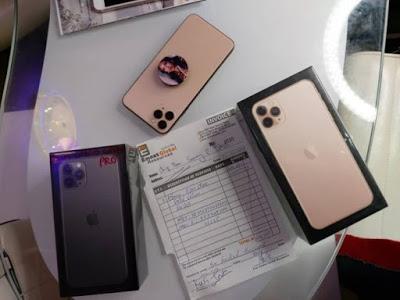 Tonto Dikeh Buys Dad N600,000 iPhone 11