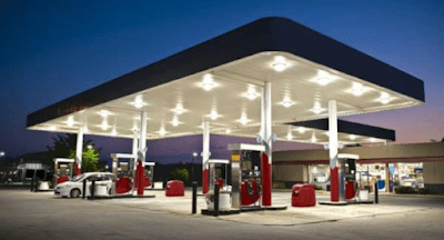 BREAKING: FG Cuts Fuel Price To N130