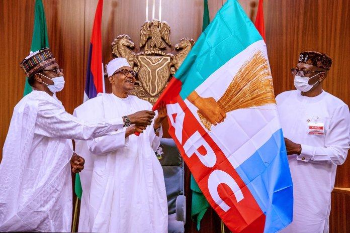 Buhari Endorse Ize-Iyamu, Hands Him APC Flag (Photos)