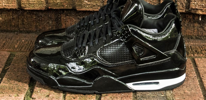 Jordan 11 – Black/White
