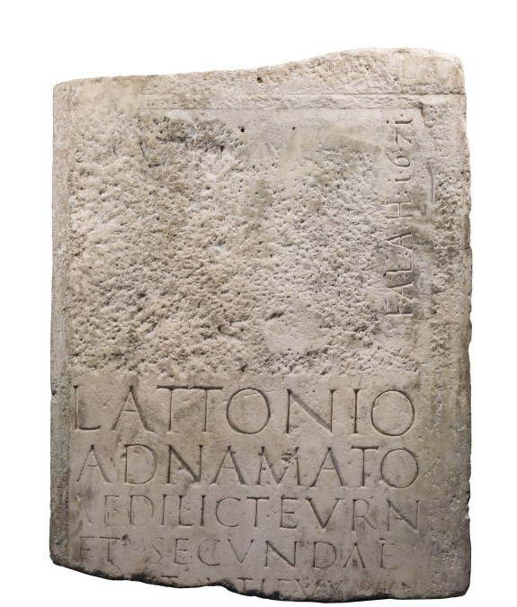 Archäologische Sensation auf Frauenchiemsee – Grabplatte der Seligen Irmengard erkannt