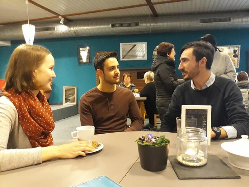 Aus einer Patenschaft ist Freundschaft geworden: Julia, Mohammed und Phillip.
