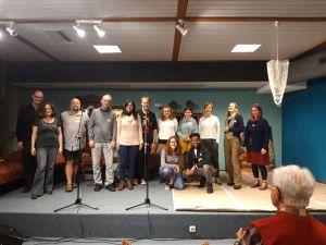 Und abends auf die Bühne: Wer mochte, konnte seinen im Poetry-Workshop erarbeiteten Text am Abend auf der Bühne vor Publikum vortragen.
