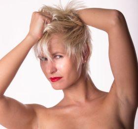 Foto: Wolfgang Fricke   Model: Lena   aus einem Akt-Porträt-Shooting