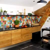 ფერადი დეტალები სამზარეულოში