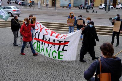 Klimacamp Saar, Spontanversammlung vor dem Rathaus