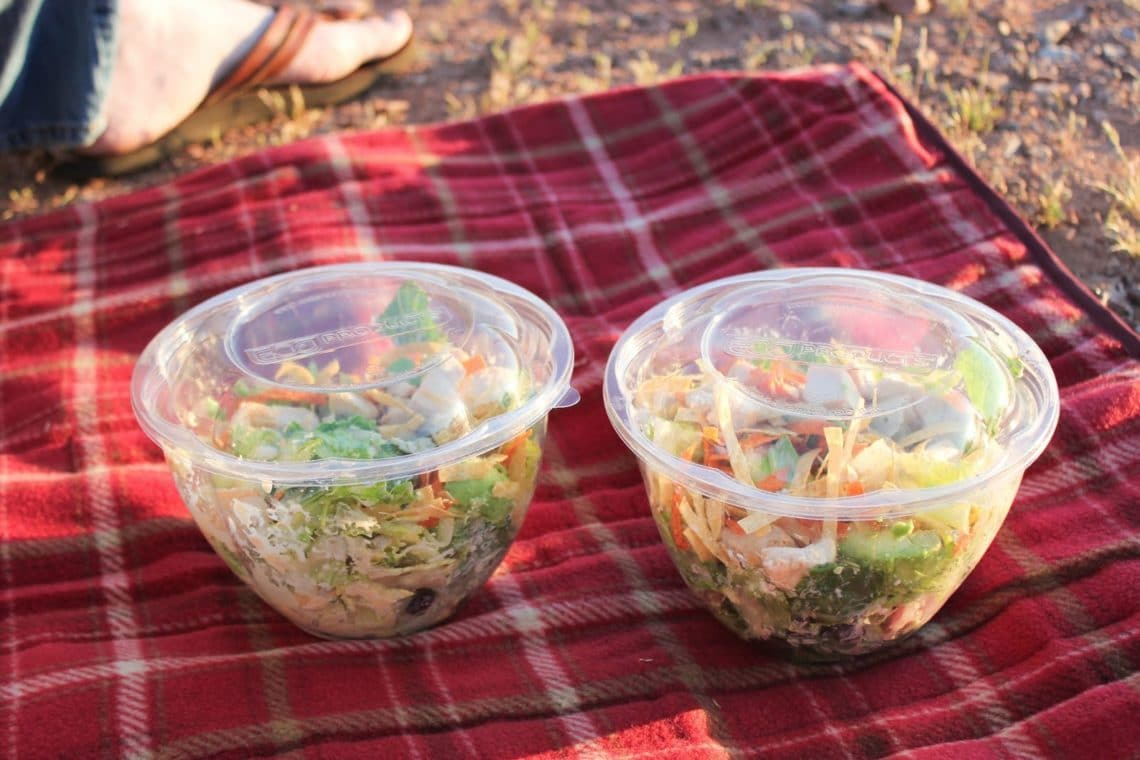 Romantic sunset picnic friday we 39 re in love for Romantic food