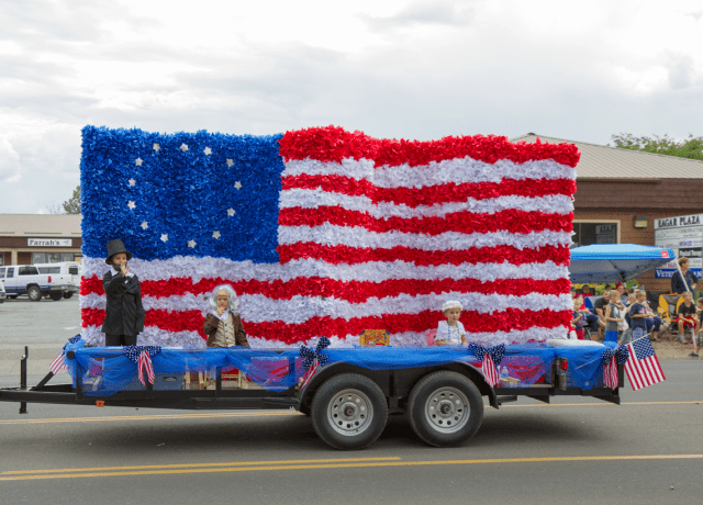 Th of july small town parades friday we re in love