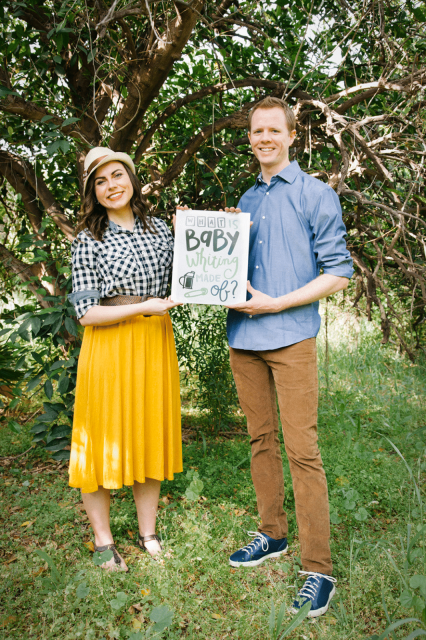Creative gender reveal idea- this one is so easy, so cute, and is a truly original way to reveal baby's gender!