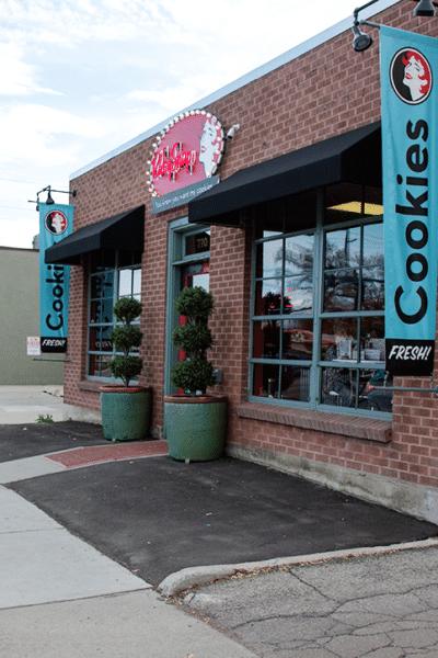 Utah Getaway: Ruby Snap Cookies