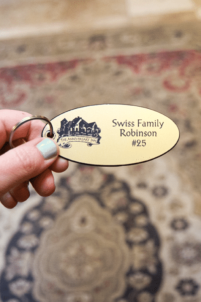 Anniversary Inn: Swiss Family Robinson Room
