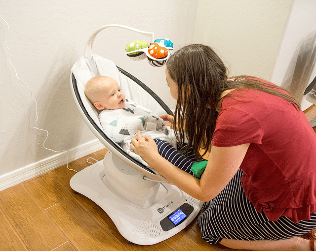 The 4moms Mamaroo swing and how it helped with colic