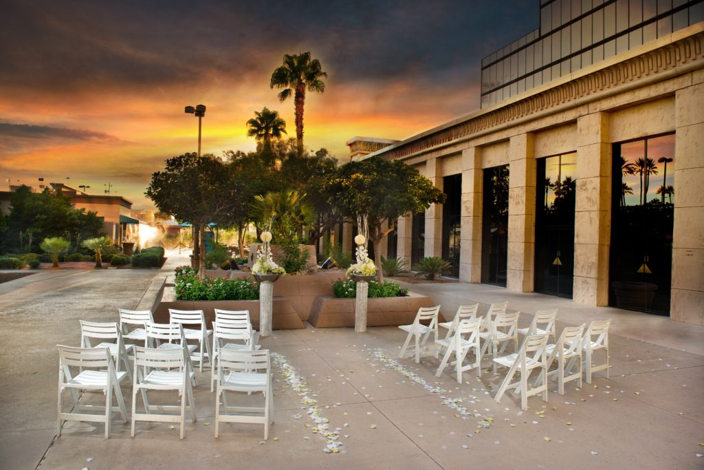 Vow Renewal Las Vegas Nevada/20 Romantic Las Vegas Date Ideas