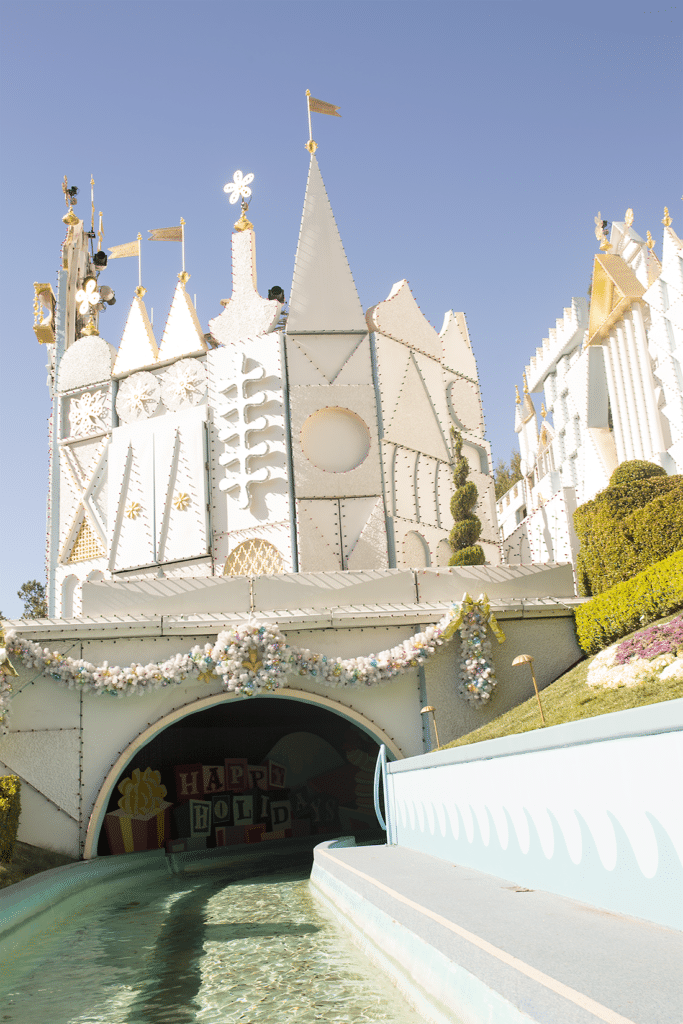 Its a Small World photo idea. Disneyland top 20 instagramable pictures