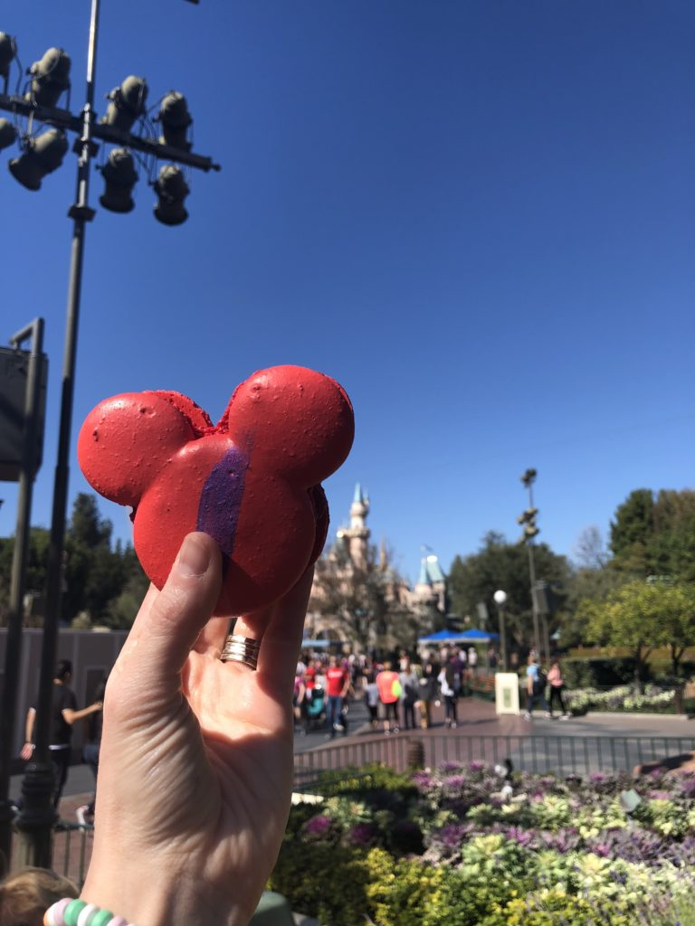 The 20 best Disneyland picture locations and Instagram picture ideas for your next Disneyland trip! Mickey Macaron