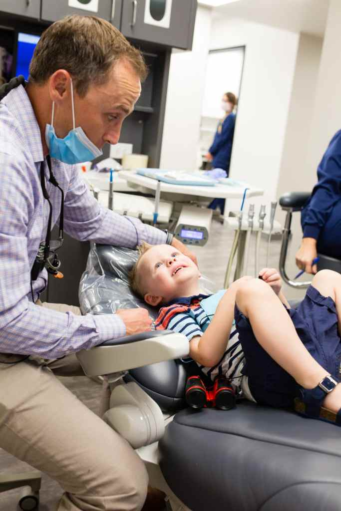 Pediatric Dentists near me: How to find a great pediatric dentist for a successful first trip to the dentist!