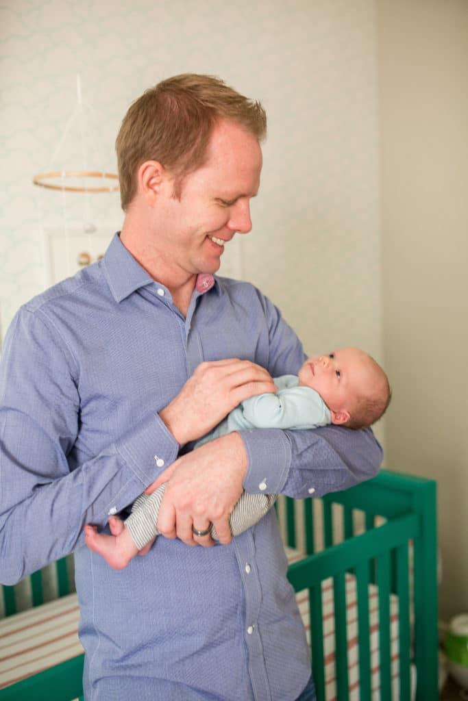 Dad and newborn baby pictures
