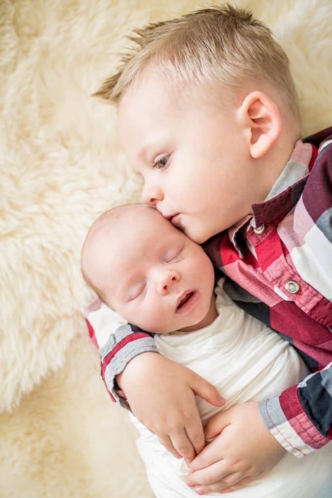 Sibling Newborn pics