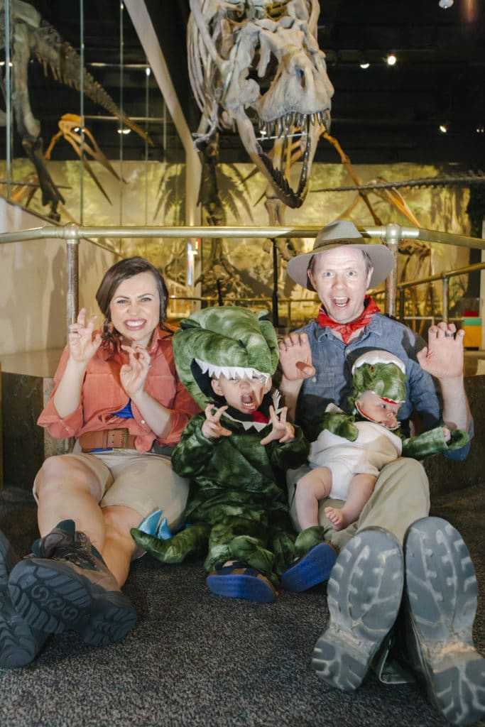 Jurassic Park Halloween Costume: Creative family Halloween costume