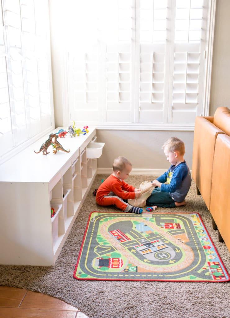 Playroom organization and toybox minimalism tips