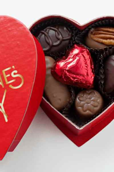 Valentine's Day Plans: Setting Expectations Early for the Best Valentine's Day