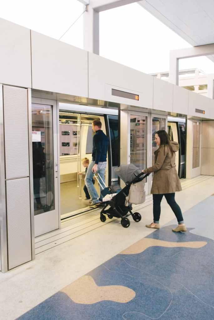 Lightweight compact stroller for travel