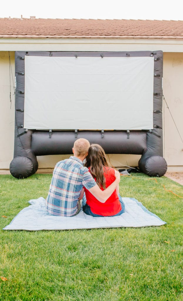 How to Create Your Own Outdoor Movie Theater for Backyard Movie Nights