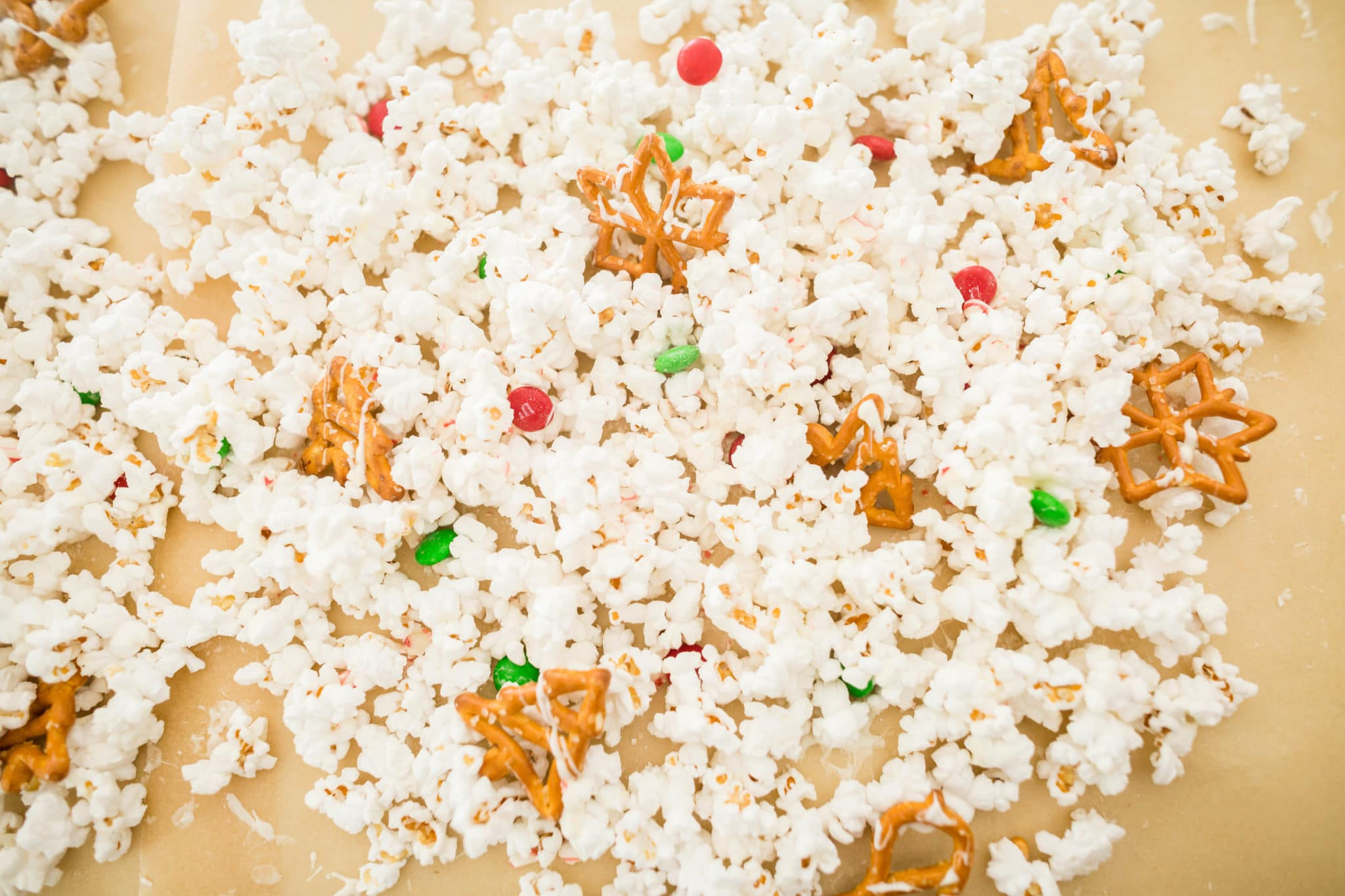 White Chocolate Christmas Popcorn Recipe