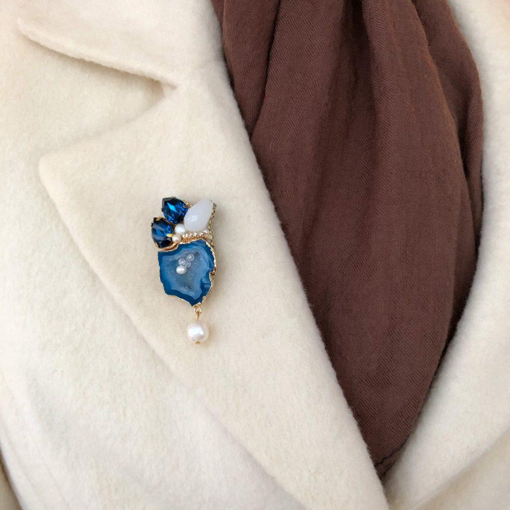купить брошь брошка брошь на пальто стразы сваровски swarovski жемчуг украшения аксессуары вышивка друза жеода